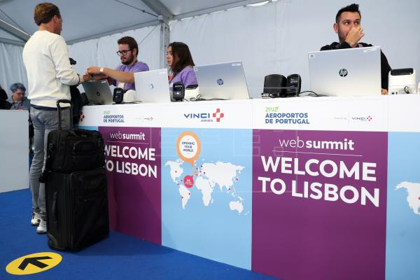 WebSummit2019 - Check in at the airport
